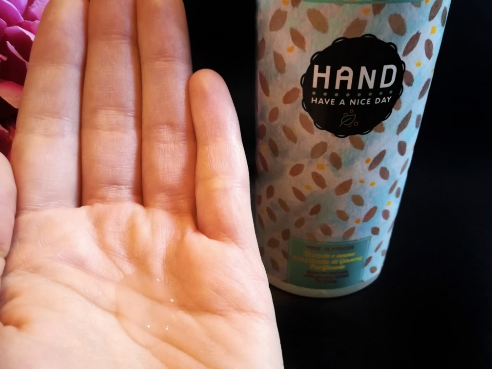 Detergente viso al tè verde e avena - HAND Cosmetics